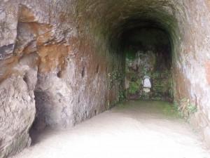 Crusoe-Grottes2